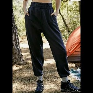 NWT Free People Slouch It Fleece Jogger Black Med